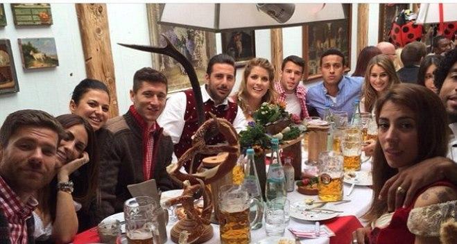 Sao Bayern rộn rã cùng lễ hội bia Oktobrefest