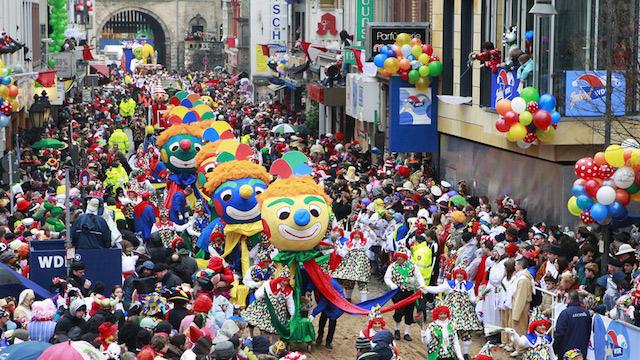 Khung cảnh lễ hội Karneval tại Đức