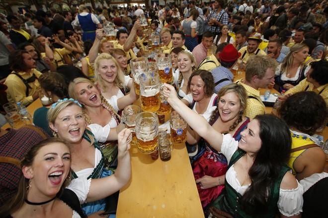 Lễ hội bia - Một trong các lễ hội truyền thống ở Đức