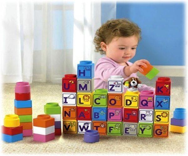 Lựa chọn đồ chơi thông minh cho bé