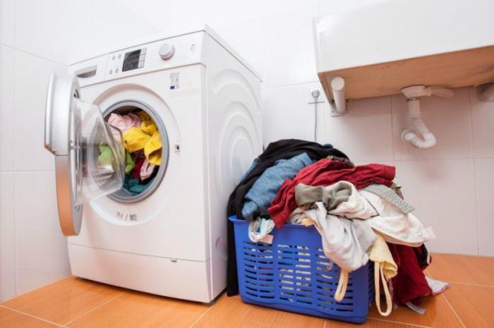 Khi sử dụng máy giặt không nên giặt quá nhiều đồ