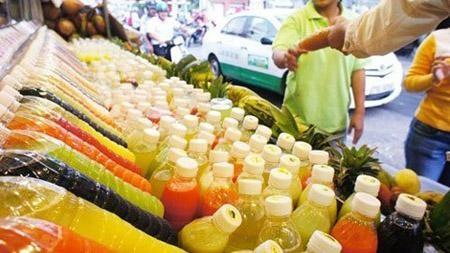 Không được dữ trữ nhiều đồ uống trái cây đóng chai