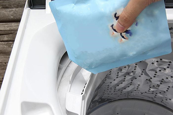 Cho nước xả vào máy giặt khi nào?