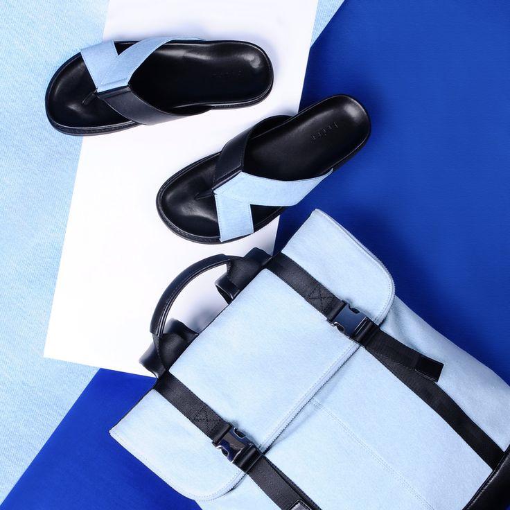 Sandal bản rộng giúp che bớt khuyết điểm đôi bàn chân to, thô