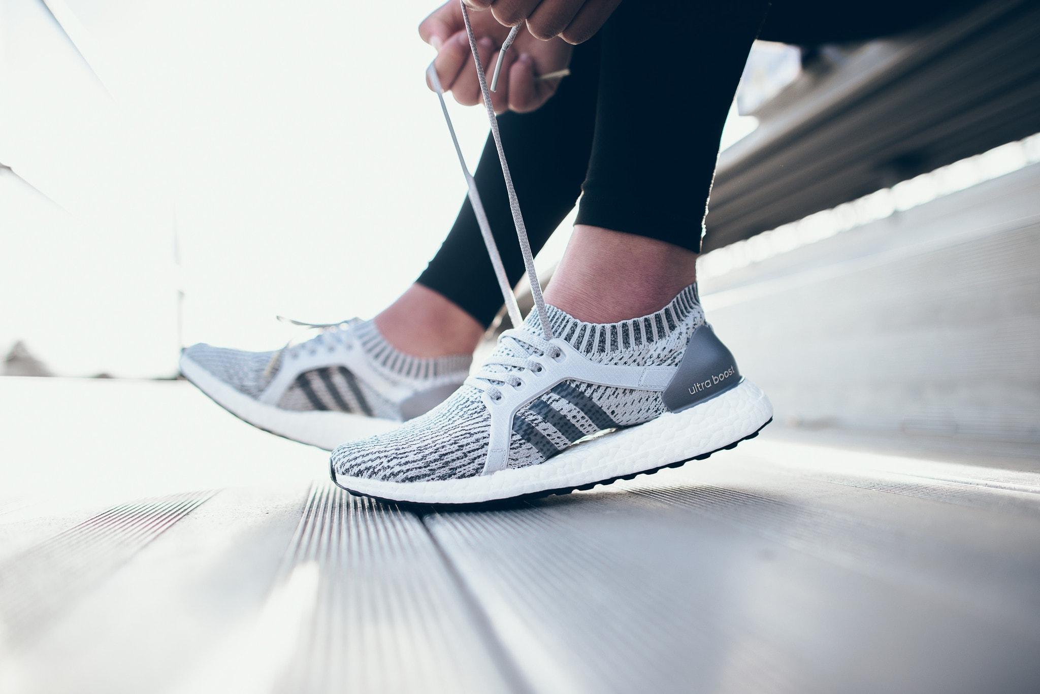 Nếu bạn thường xuyên tập luyện thể thao hãy đầu tư cho bản thân một đôi giày chuyên dụng