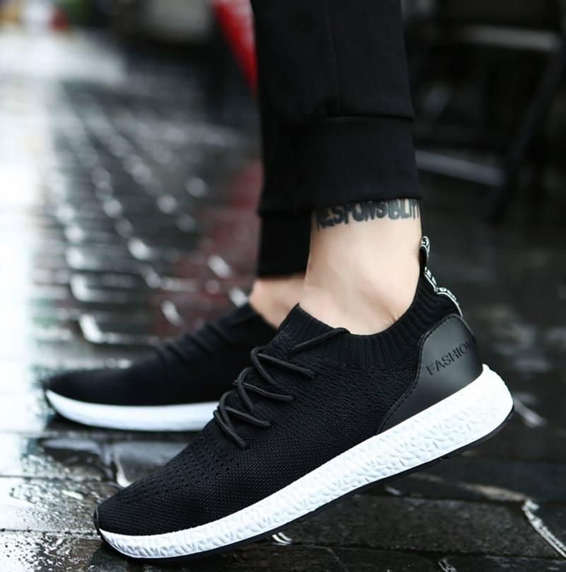 Thử giày là một trong những bước quan trọng nhất để chọn được đôi giày vừa ý