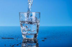 Bổ sung nước đầy đủ để có làn da đẹp