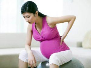 Gập bụng và cong người quá lâu ảnh hưởng không tốt đến sức khỏe mẹ bầu và thai nhi