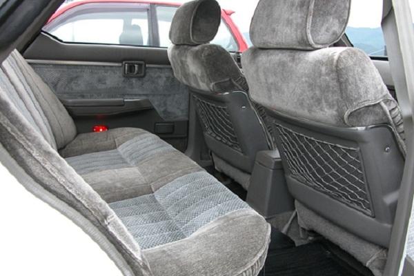 ghế ô tô chất liệu simili nỉ
