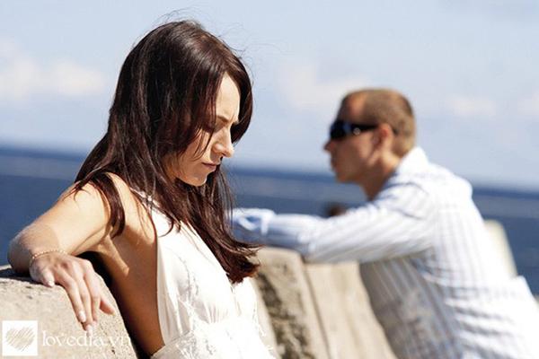 Bí quyết để chuyện chăn gối của chồng già vợ trẻ luôn thăng hoa