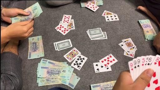 Hạn chế không cho đối thủ ăn chốt để tránh mất tiền