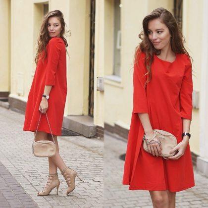 Váy đỏ và giày nude